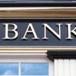 Při exekuci na bankovní účet máte nárok na jednorázový výběr dvojnásobku částky životního minima jednotlivce – tedy 2x 3140 Kč. Ale pouze jednou za celou dobu exekuce na účet.