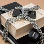 V případě exekuce na majetek může exekutor zbavit téměř vše. Kromě věcí které jsou definovány v příslušném zákonu.