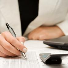 Abyste zjistili, že skutečně nikde nic nedlužíte, je nutné postupně prověřit několik různých registrů a kontaktovat i různé společnosti.