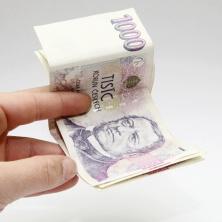 V případě exekuce na mzdu (nebo na jiný příjem), je v roce 2017 nezabavitelná částka ve výši 6154,67 Kč.