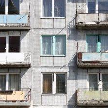 Při exekuci na majetek – pokud k vám do bytu přijde exekutor a začne sepisovat majetek – vám musí zůstat některé věci, které nesmí exekutor zabavit.