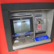 Při exekuci na účet v bance máte nárok na určitou sumu peněz, kterou si můžete jednorázově vybrat ze svého bankovního účtu.
