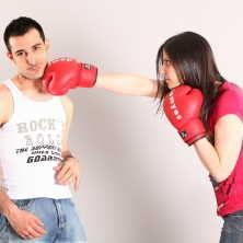 Společné oddlužení manželů má řadů výhod, oproti situaci, kdy by si o oddlužení požádal každý z manželů samostatně.