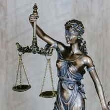 Exekuce (nejenom na majetek), může být zastavena zrůzných důvodů.