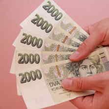 Určité řešení nabízí soukromé půjčky, od soukromých osob. Podobné nabídky je možné najít na internetu.